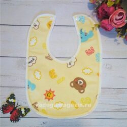 Слюнявчик непромокаемый Желтый буквы животные